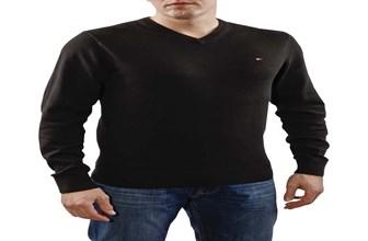 f59028f6f93 Tommy Hilfiger Pacific. Un jersey de pico cuya composición es 100% algodón  de primera calidad. Tiene los puños y el bajo elásticos y el cuello dispone  de ...